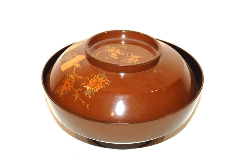 A Group of Five Japanese Lacquerware Covered Bowl